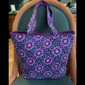 Awesome Vera Bradley Tote Bag-Lilac Medallion